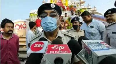 बिहार : मंदिर के पुजारी की हत्या कर भाग रहे आरोपियों को लोगों ने पकड़ा, एक को पीट-पीटकर मार डाला