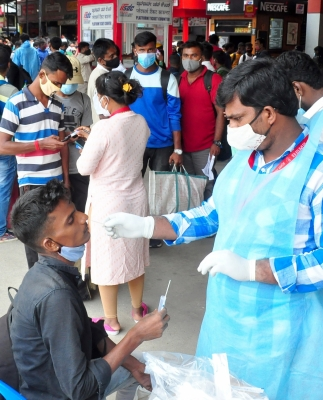 भारत में कोरोना के 18,987 नए मामले, 246 लोगों की मौत