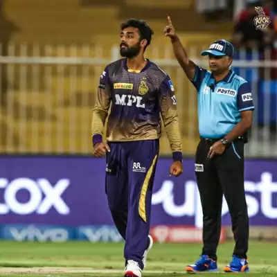 आईपीएल 2021 : कोलकाता को फाइनल में पहुंचने के लिए बनाने होंगे 136 रन (लीड-1)