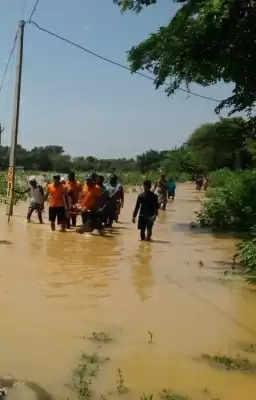 ओडिशा में भारी बारिश से 3 की मौत, 19 लाख से अधिक लोग प्रभावित (लीड-1)