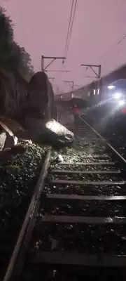 मध्य रेलवे के नासिक-पुणे सेक्शन पर रेल यातायात प्रभावित