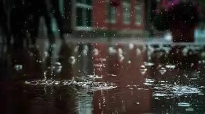 बेहद भारी बारिश की भविष्यवाणी के कारण गुजरात रेड अलर्ट पर
