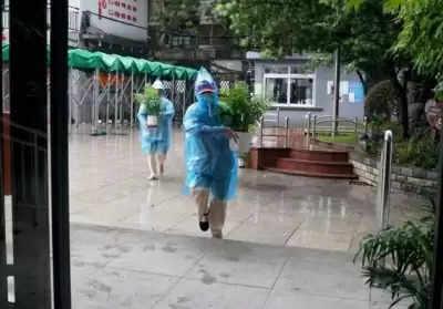 शंघाई में तूफान की चपेट में आने वाले करीब 330,000 लोगों को बचाया