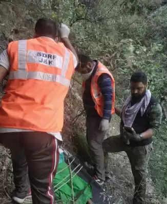 जम्मू-कश्मीर सड़क हादसे में बीएसएफ के 5 जवान घायल