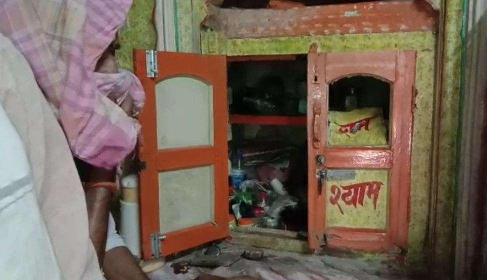 वाराणसी में चोरों ने भी तलाशा 'आपदा में अवसर', नाइट कर्फ्यू के दौरान गाटर-पटिया की दुकान में की चोरी