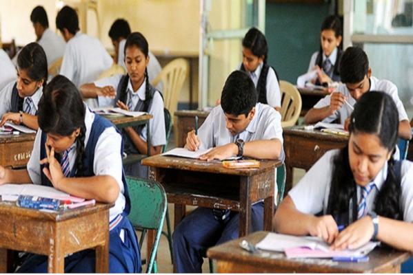 देशभर के उच्च शिक्षण संस्थानों में सभी ऑफलाइन परीक्षाएं स्थगित