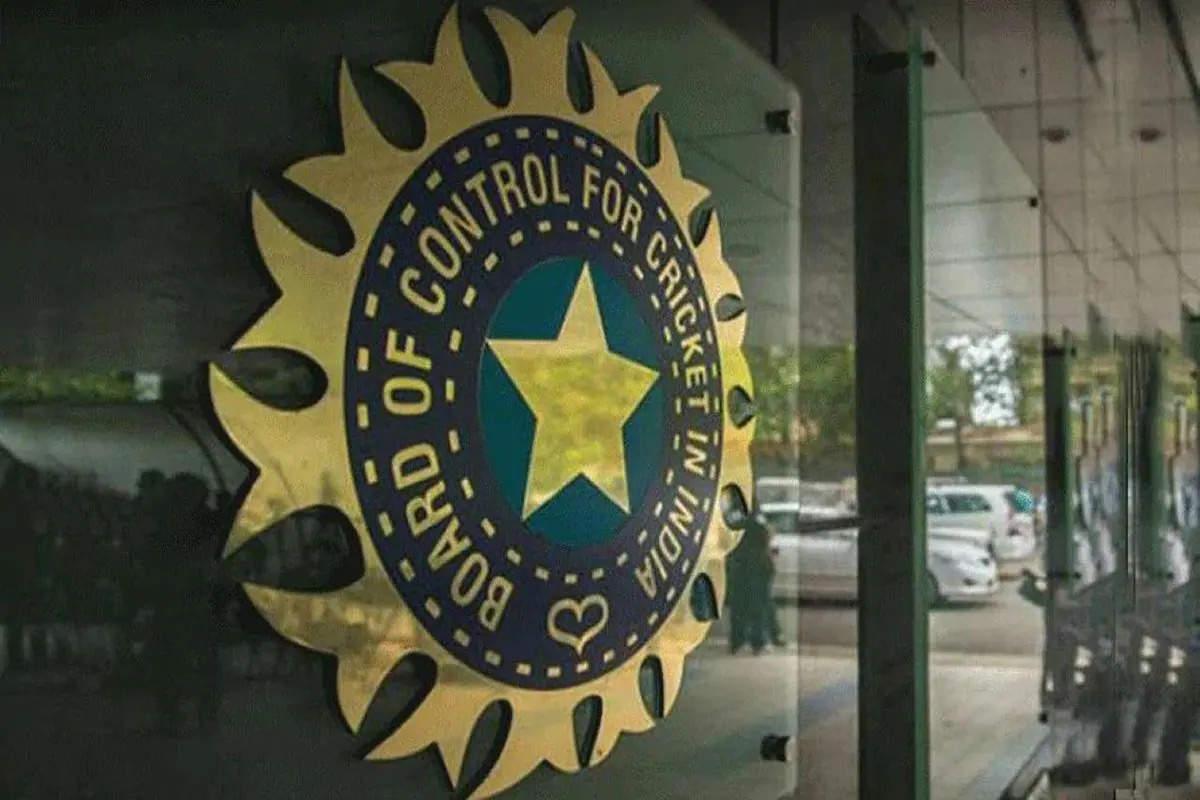 बीसीसीआई ने टी 20 विश्व कप के लिए यूएई को बैकअप में रखा