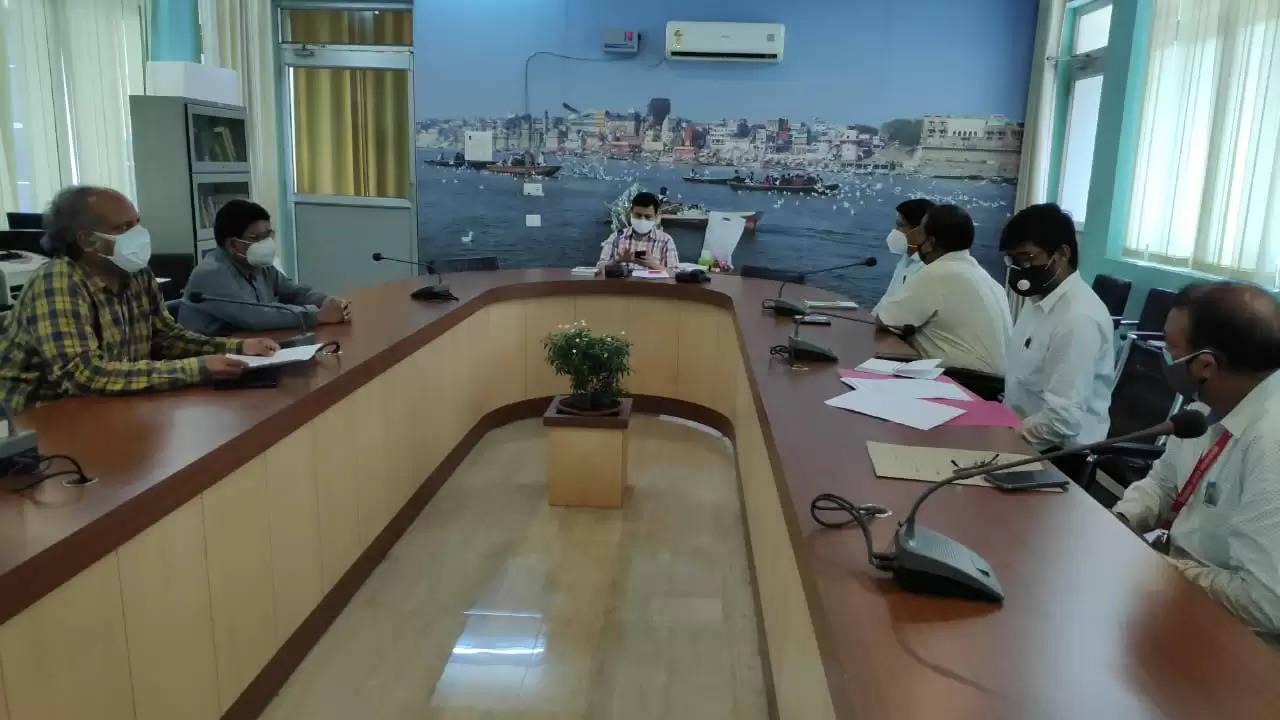 DM Varanasi