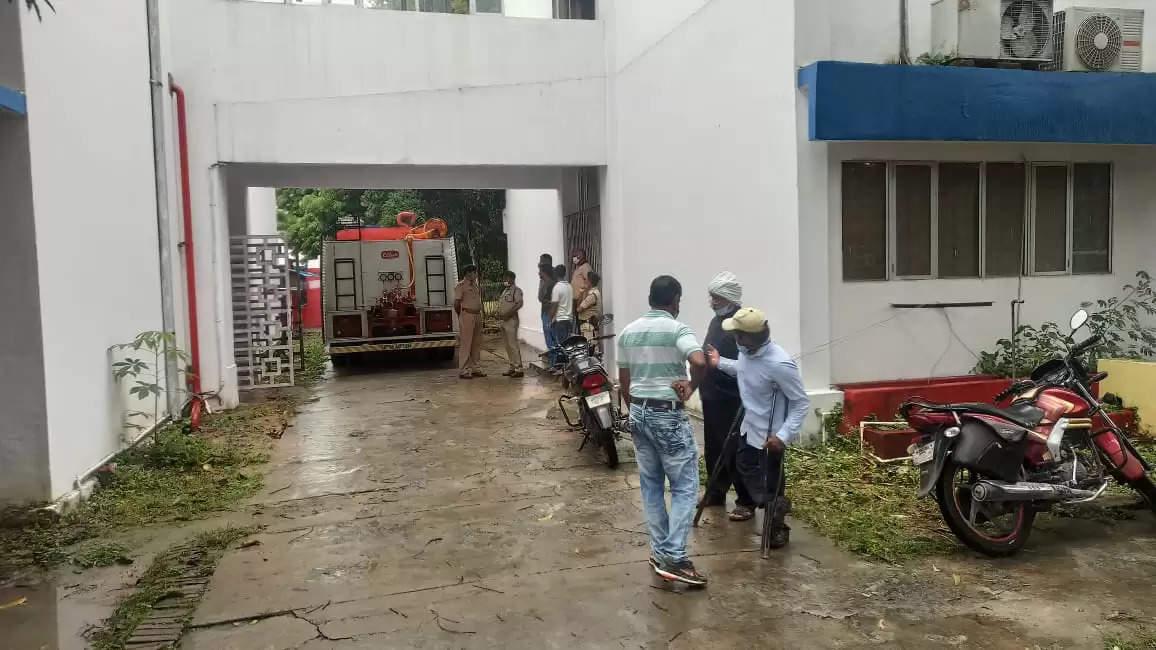 BLW के प्रशासनिक भवन में लगी आग, फायर ब्रिगेड की टीम ने पाया काबू, नहीं हुआ ज्यादा नुकसान