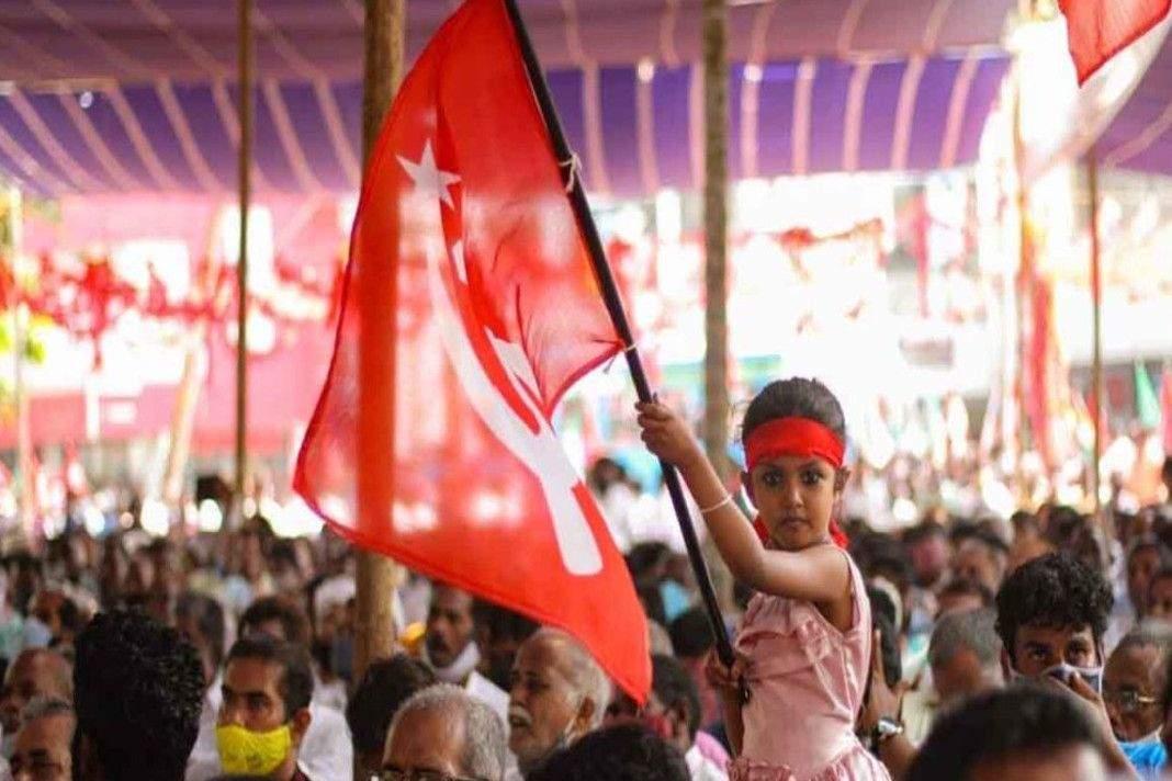 केरल में लेफ्ट पार्टी भारी मतों से आगे