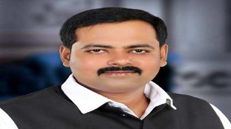 कोरोना से मरने वाले अधिवक्ताओं, शिक्षकों के परिवार को मुआवजा के लिए सपा MLC आशुतोष सिन्हा ने CM योगी को लिखा पत्र